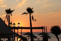 Solnedgång på stranden Arkivfoton