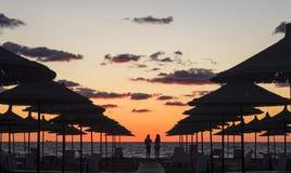 Solnedgång på stranden i Albanien Royaltyfri Fotografi