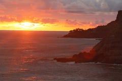 Solnedgång på stranden i El Salvador Royaltyfria Bilder