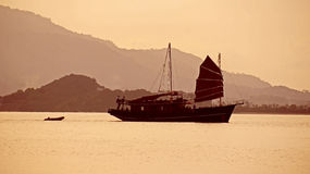 Solnedgång på Thailand Arkivbild