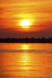 Solnedgång på vågbrytaren Royaltyfri Fotografi