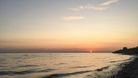 Solnedgång på Volgaen, Ryssland arkivbild