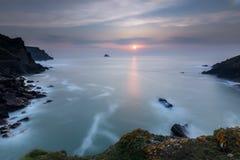 Solnedgång Pentire punkt, Cornwall royaltyfri fotografi