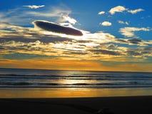 Solnedgång Playa Ostional Costa Rica royaltyfri bild