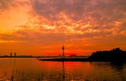 Solnedgång (resningsol i morgonen) Fotografering för Bildbyråer