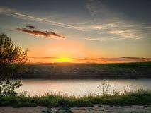 Solnedgång San Joaquin River Royaltyfri Bild