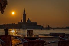 Solnedgång sikt till Grand Canal av Venedig, Italien royaltyfria bilder