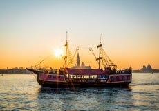 Solnedgång sikt till Grand Canal av Venedig, Italien fotografering för bildbyråer