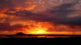 Solnedgång sjö Myvatn Royaltyfria Bilder
