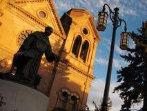 Solnedgång St Francis av den Assisi domkyrkan Santa Fe New Mexico Arkivfoton
