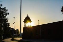 Solnedgång till och med fortet arkivbilder