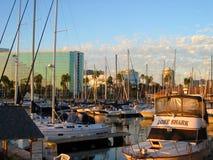 Solnedgång vid porten för hamn` s, Shorelineby, Long Beach, Kalifornien royaltyfri bild
