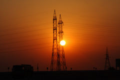 Solnedgång vid tornet arkivbilder