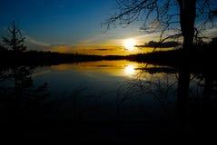 Solnedgång VII för torr sjö royaltyfri bild