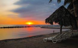 Solnedgångar i El Salvador fotografering för bildbyråer