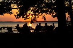 Solnedgångdiskussion Royaltyfri Bild