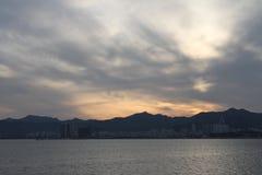 Solnedgången av weihai Arkivbilder