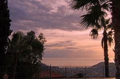 Solnedgången färgar Arkivfoto