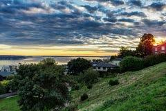 Solnedgången i den Seattle sikten från Kerry parkerar royaltyfri foto