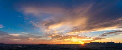 Solnedgången, landskapnatur Fotografering för Bildbyråer