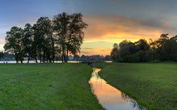 Solnedgången parkerar Schloss Babelsberg Royaltyfri Fotografi