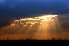 Solnedgången tänder arkivfoto