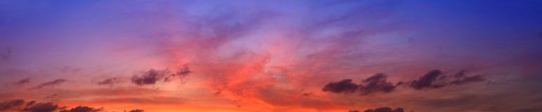 Solnedgången tänder royaltyfria foton