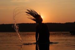 Solnedgångferie på sjön Royaltyfri Bild