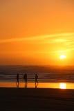 Solnedgångflickor Royaltyfri Fotografi