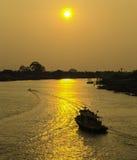 Solnedgångflod Arkivfoto