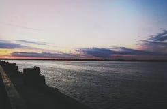 Solnedgångflod Arkivbild