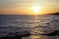Solnedgånghav för hög kontrast Royaltyfri Foto