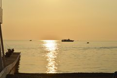 Solnedgånghavsfartyg royaltyfri fotografi