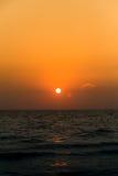 solnedgånghimmel i sommar på den pattaya stranden Royaltyfria Foton