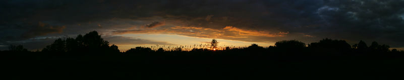 Solnedgånghimmel på sommarsäsongen Royaltyfri Fotografi