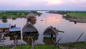 SolnedgångIquitos Amazonas flod Arkivbilder