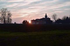 Solnedgånglandskap, Italien royaltyfri foto