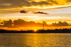 Solnedgånglandskapbild i Thailand Royaltyfri Bild