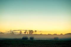 Solnedgånglandskapfält royaltyfria foton