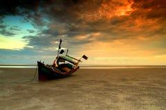 SolnedgångluftAnyir strand Arkivfoto