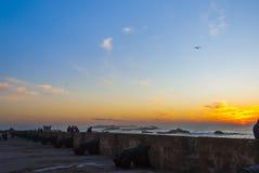 Solnedgångmöteställe i Essaouira Arkivfoto