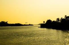 SolnedgångMaharashtra Indien royaltyfri fotografi