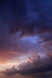 Solnedgångmoln Arkivfoton