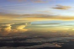 Solnedgångmoln från himmel Arkivbilder