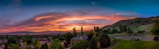 Solnedgångpanorama av den Utah dalen och berg Arkivbilder