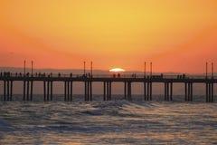 SolnedgångpirHuntington Beach Kalifornien Royaltyfri Foto