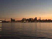 SolnedgångSan Francisco guld- port Royaltyfri Bild