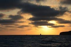 Solnedgångsegling Arkivfoto