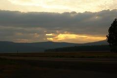 SolnedgångShasta dal, Kalifornien Royaltyfri Bild