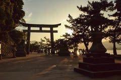 Solnedgångsikt över Miyajima, Japan royaltyfri foto